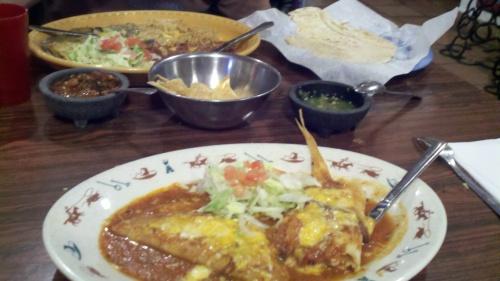 Lunch at Los Dos Molinos