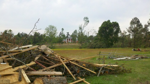 tornado damage in Phil Campbell