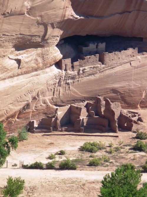 Anazazi ruins at Canyon de Chelly